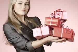 wręczanie prezentów w pracy